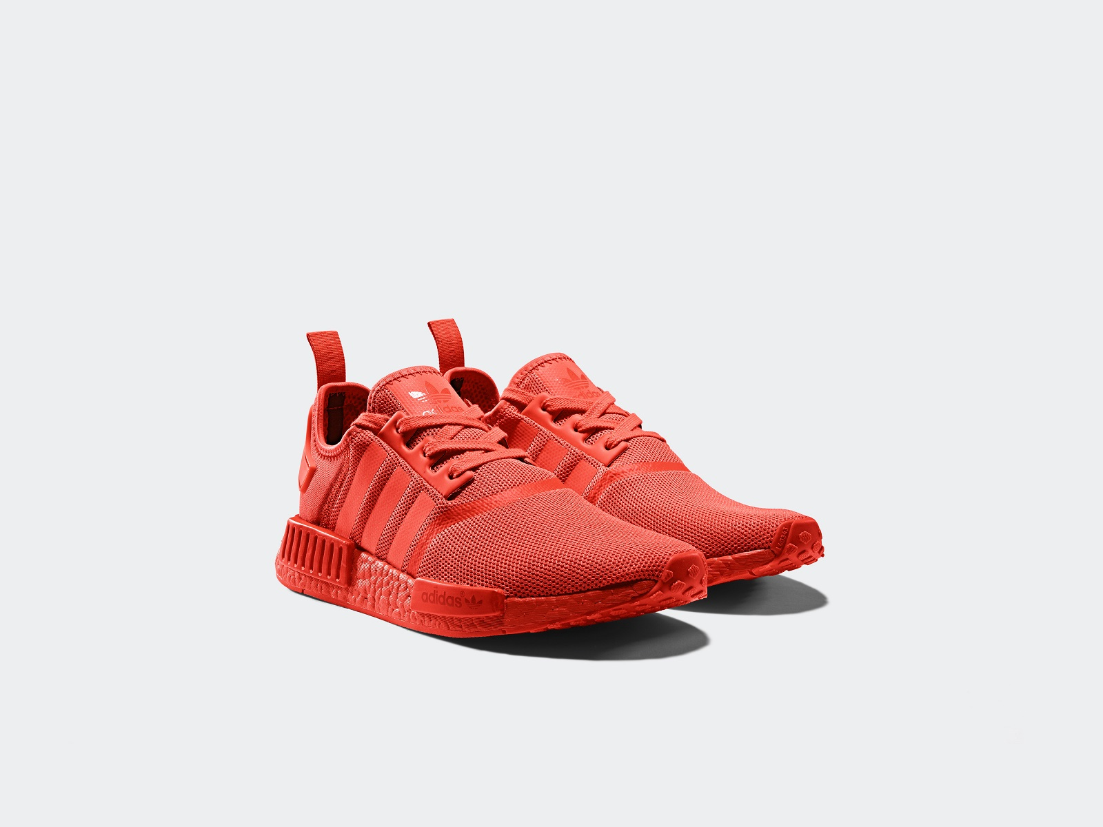 Adidas NMD Boost R1 Monochrome Pack in in in Triple schwarz, ROT and Weiß cd14ef