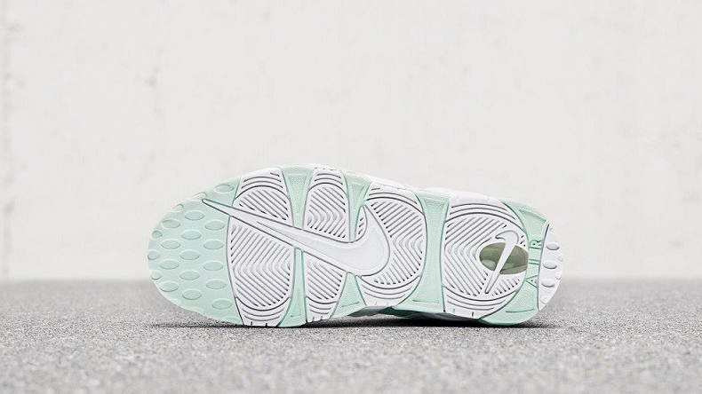 Womens Nike Air More Uptempop Mint Green (1)