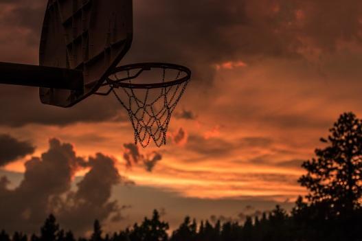 4k-wallpaper-backlit-basketball-1331750